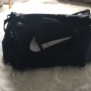 Black NIKE duffel bag LN